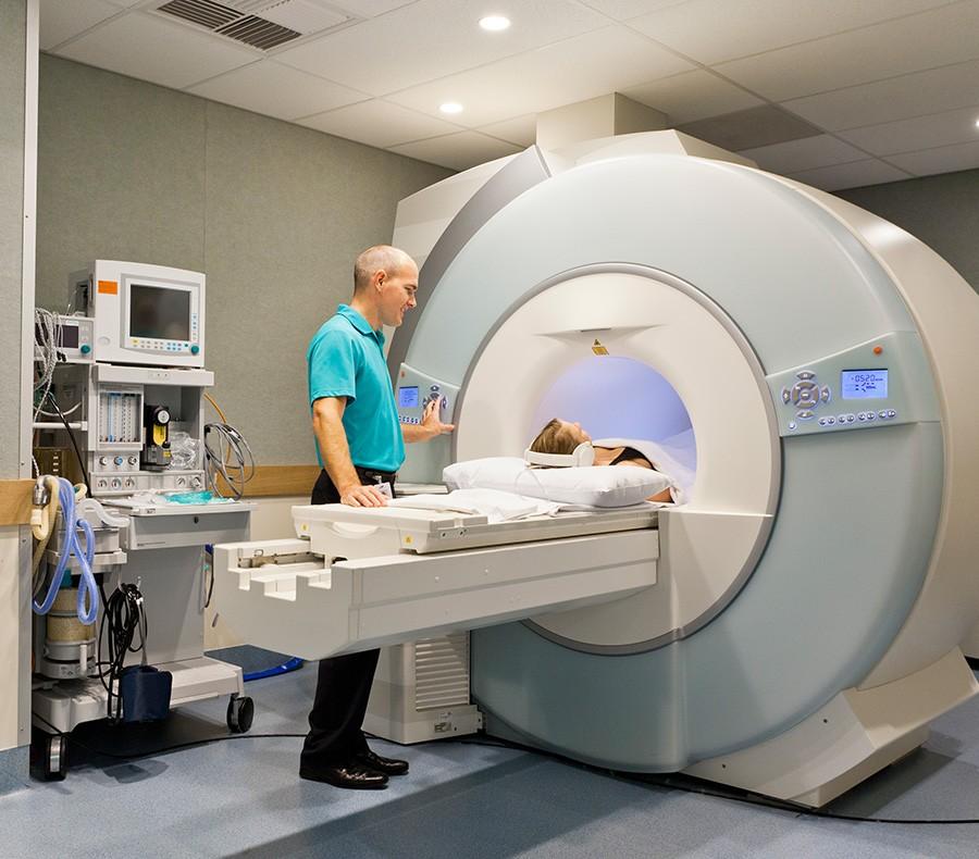 Роботезированная операция на колене в Германии